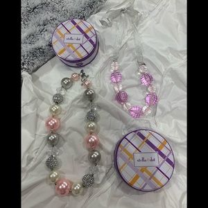 2 beautiful girls necklaces